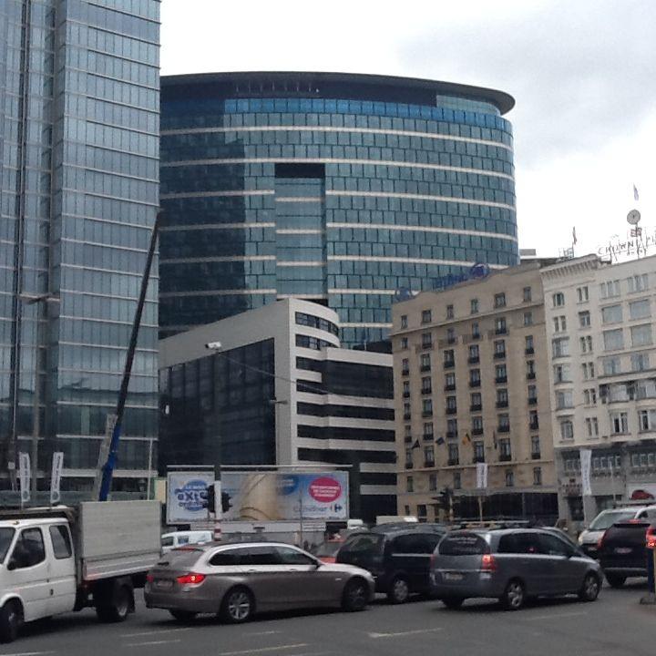 Il palazzo di Bruxelles dove si fanon le valutazioni